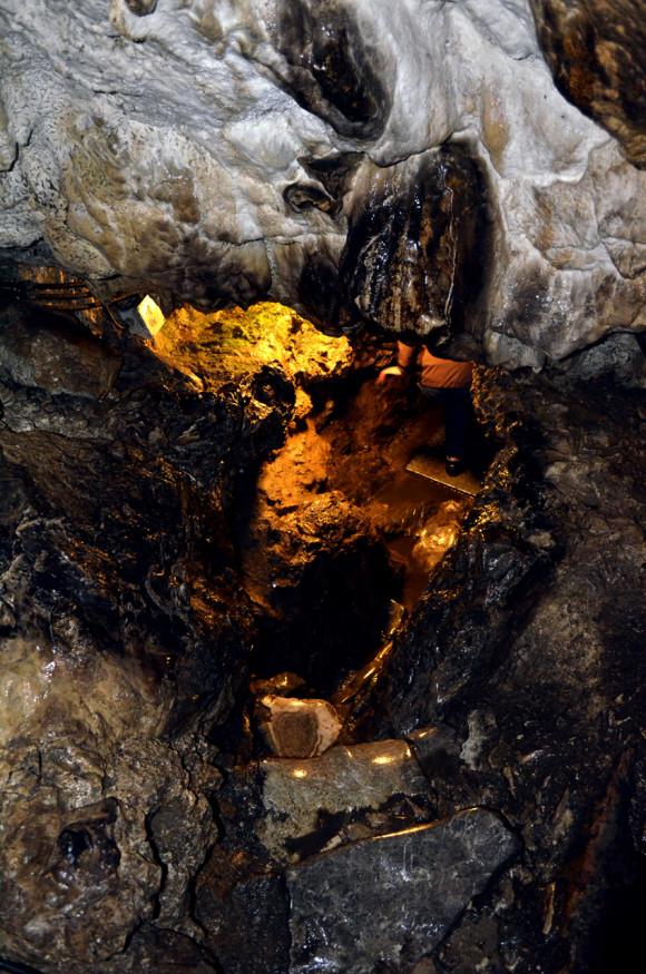 Jaskinia Lodowa - zejście w głąb...